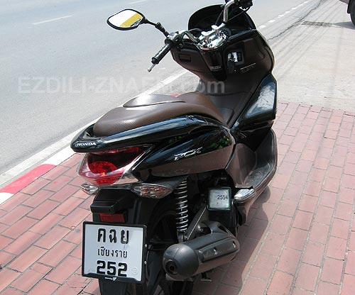 Скутер Хонда PCX в Тайланде