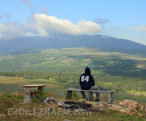 Горы Алтая. Вид на гору Сарлык