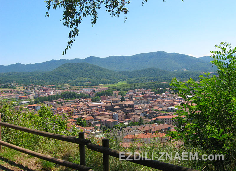 Городок Олот в Испании
