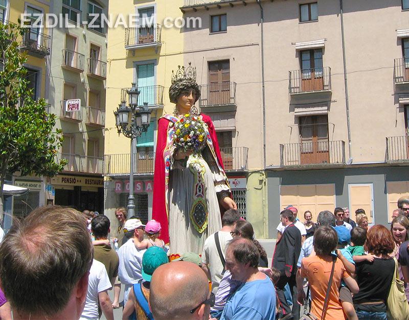 Королева на празднике Гигантов в Олоте, Испания