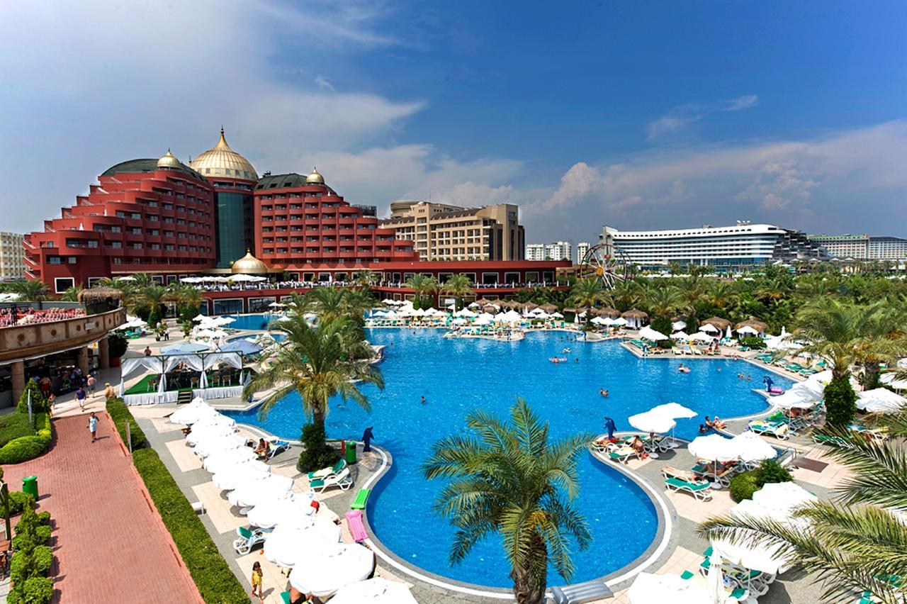 На фото: Delphin Palace Hotel Antalya - один из лучших отелей Турции