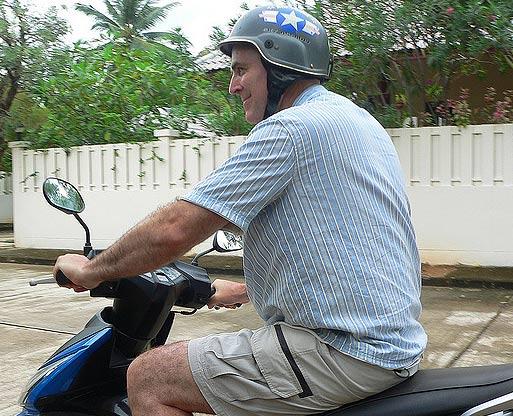 покупка мото шлема на зиму в Тайланде