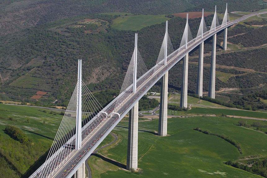 Самый высокий мост Франции: Millau Viaduk
