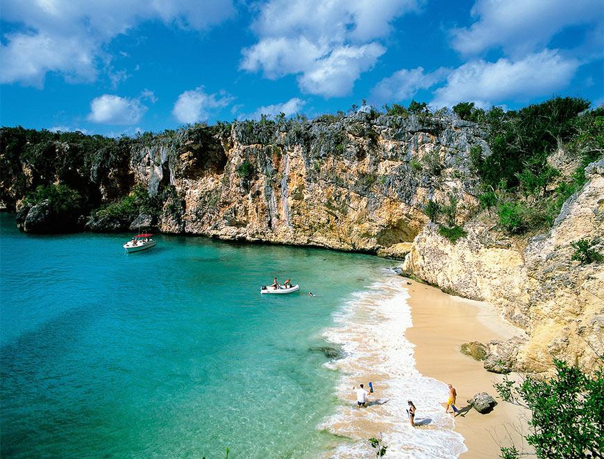 пляжи на острове Ангилья на Карибах считаются лучшими в мире