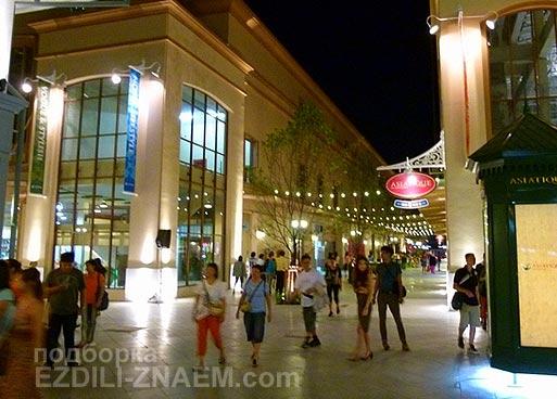"""Новый шоппинг в Бангкоке: ночной рынок """"Азиатик"""" (Asiatique)"""