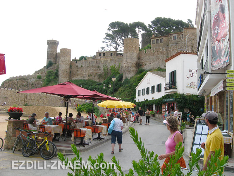 старая крепость Вилла Веллья в Тосса де Мар