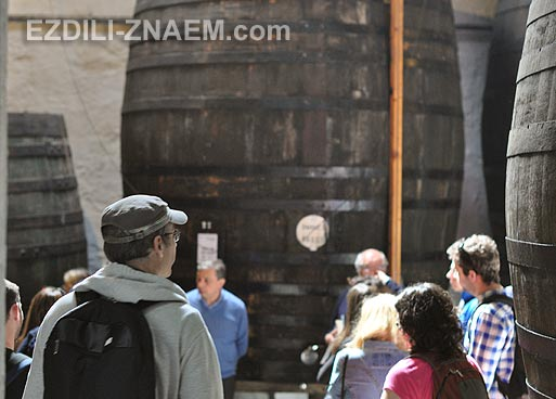 Экскурсия по винным складам. Дегустация портвейна в Порту