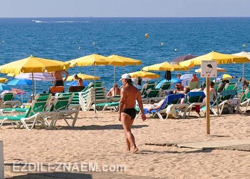Пляж и море в Калеллье