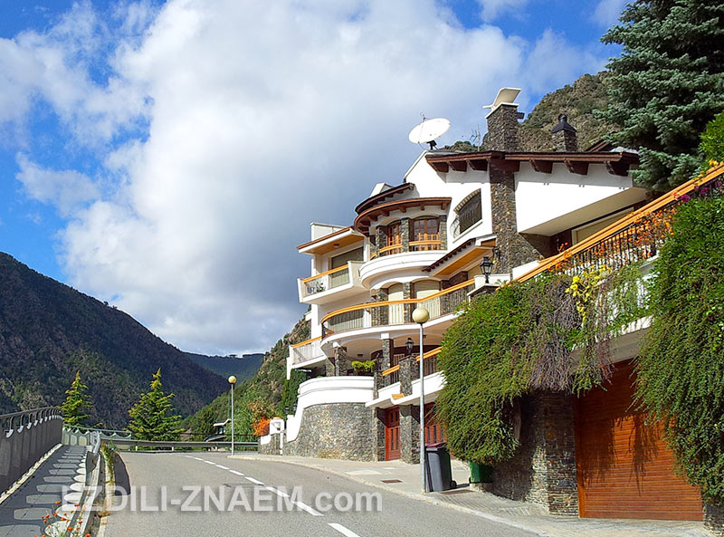 самые красивые дома находятся на верхних улицах Андорры