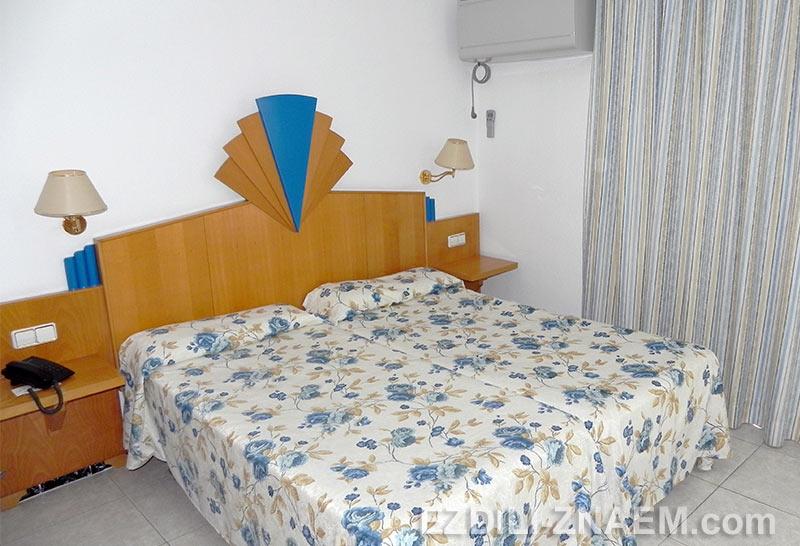 Типовой номер в курортном испанском отеле