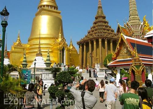 Храм Пхра Кео в Королевском дворце в Бангкоке