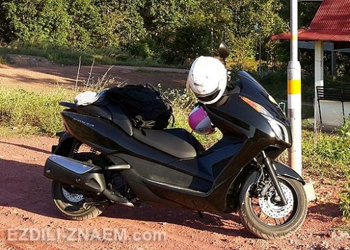 Аренда скутера Хонда Forza в Тайланде