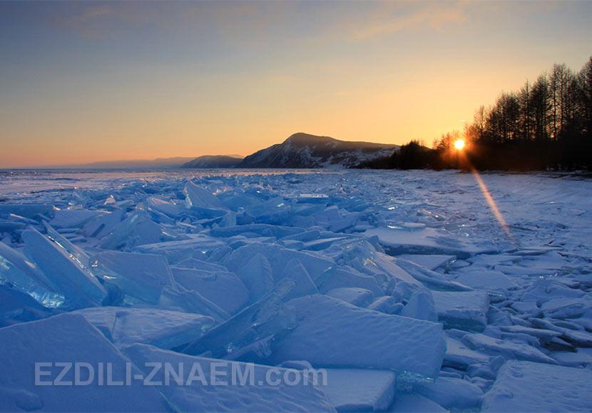 Закат на мысе Онхолой. Западный берег Байкала.