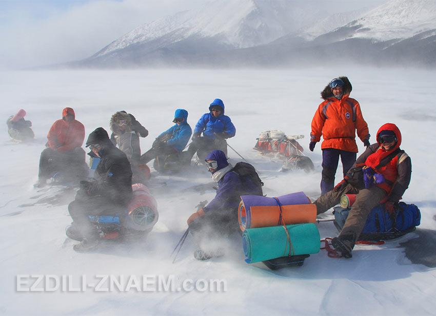 Зимой по Байкалу: привет от Байкальских ветров.