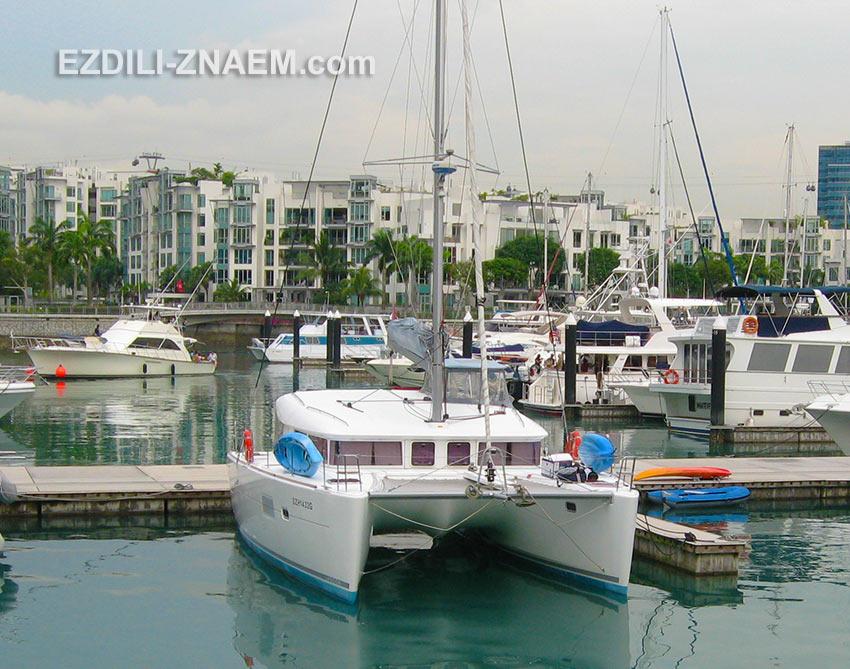 яхты в заливе Кеппель Бэй в Сингапуре