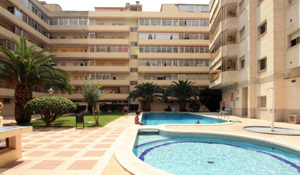 Комплекс Apartamentos Indasol, Салоу, Испания