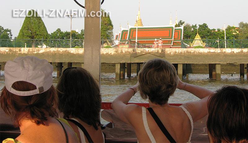 основные достопримечательности Бангкока расположены недалеко от Каосана
