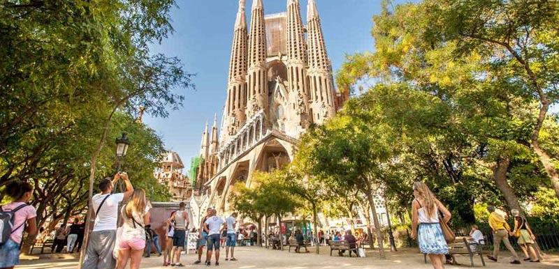 Храм Саграда Фамилия в Барселоне, Испания