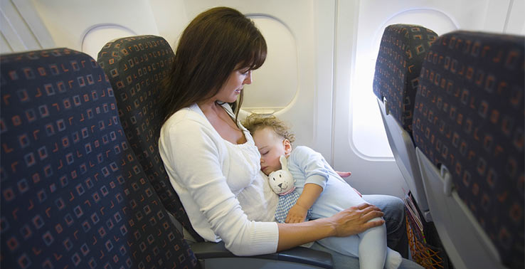 Что можно взять в самолет если лететь с ребенком