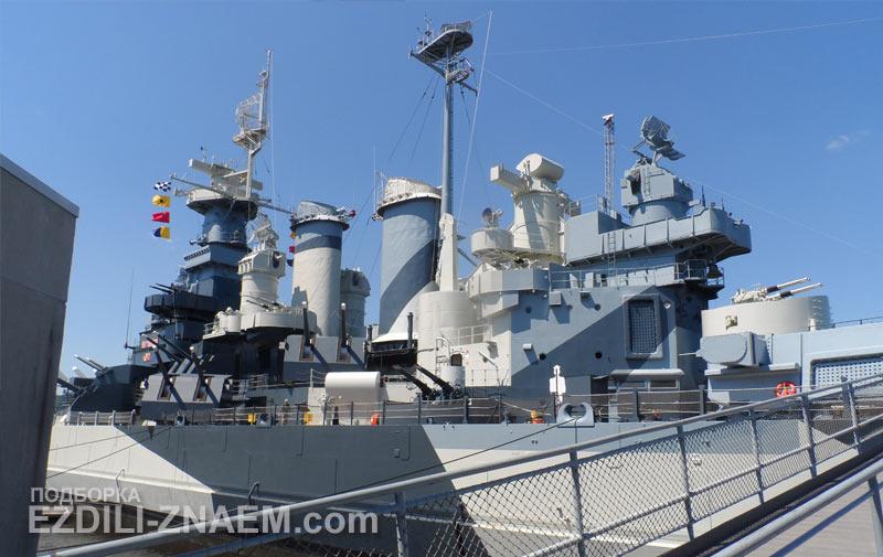 """Корабль-музей линкор """"Нью-Джерси"""" в Филадельфии, США"""