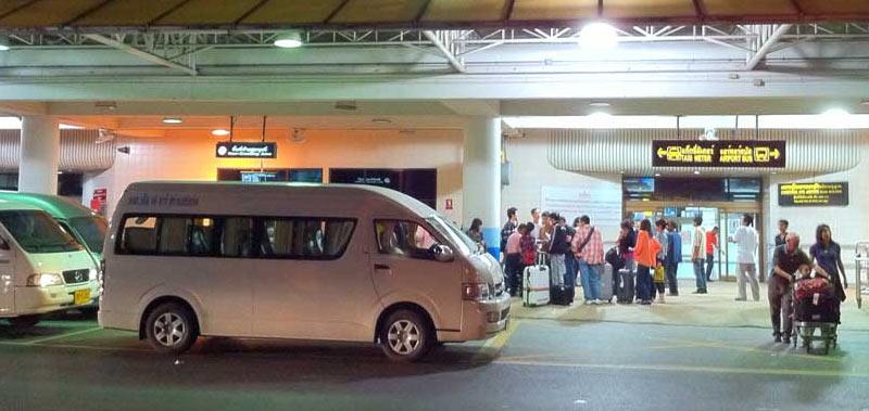 Как уехать из аэропорта Пхукета на минивэне