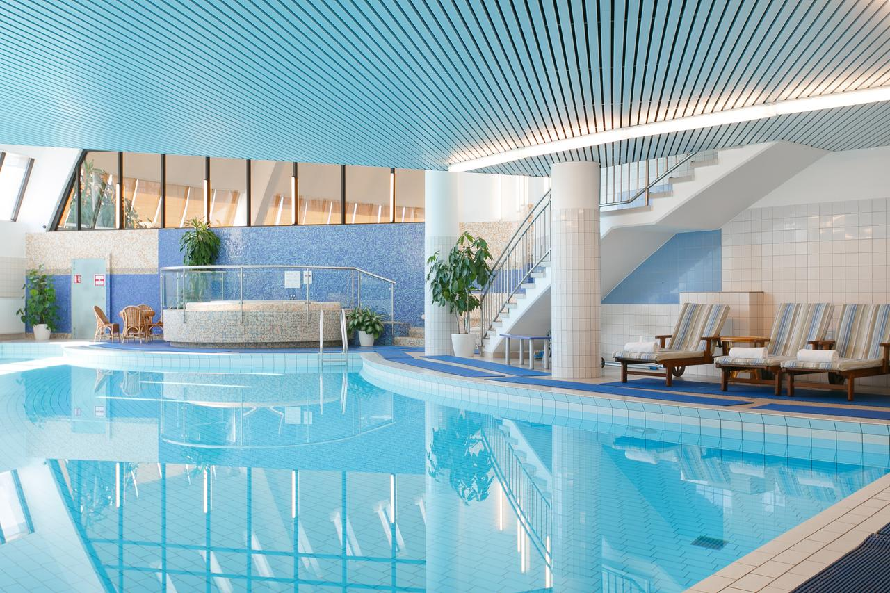 AZIMUT Олимпик - недорогой отель с бассейном в Москве