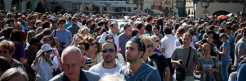 Основные ошибки туристов. Толпа туристов в Праге
