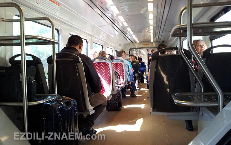 В вагоне трамвая из Аликанте в Бенидорм