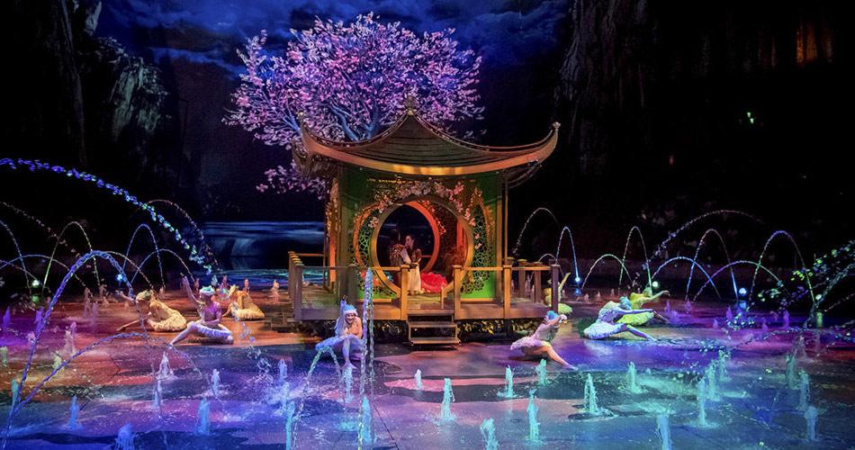"""""""Дом танцующей воды"""" - грандиозное шоу в Макао"""