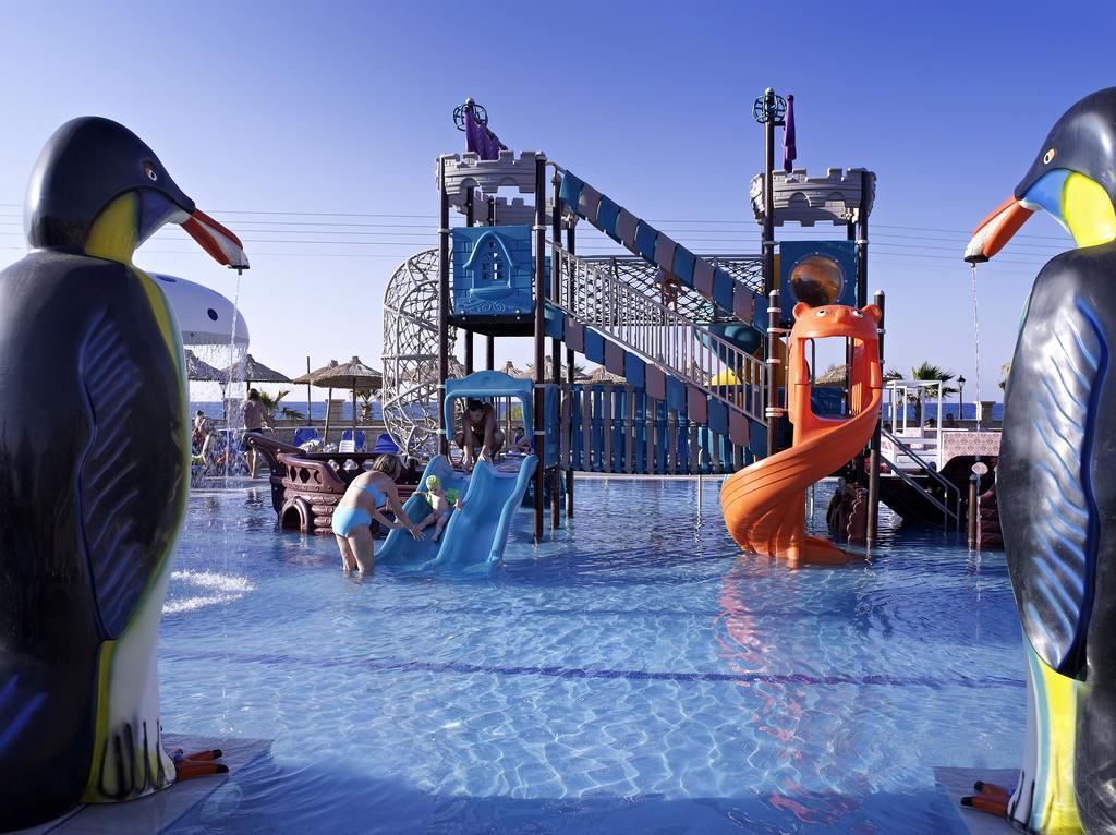 Stella Village Hotel & Bungalows - отель с аквапарком в Греции, для отдыха с маленькими детьми