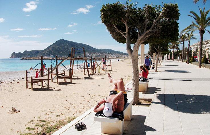 Пляжи в Алтее