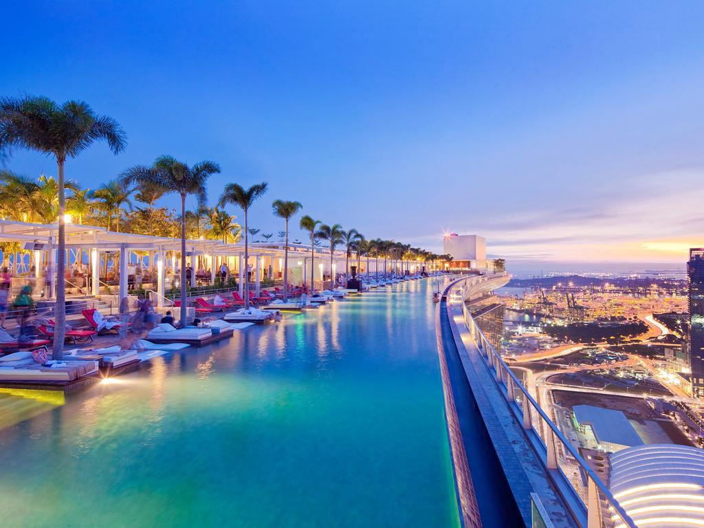 Сингапур, на крыше отеля Marina Bay Sands
