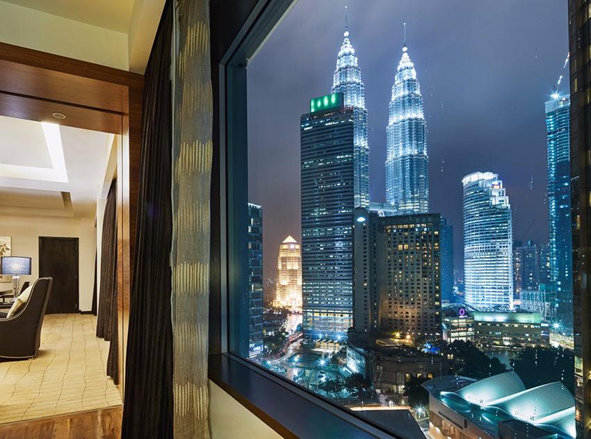 """вид на башни Петронас из отеля """"Impiana"""" в Куала-Лумпур"""