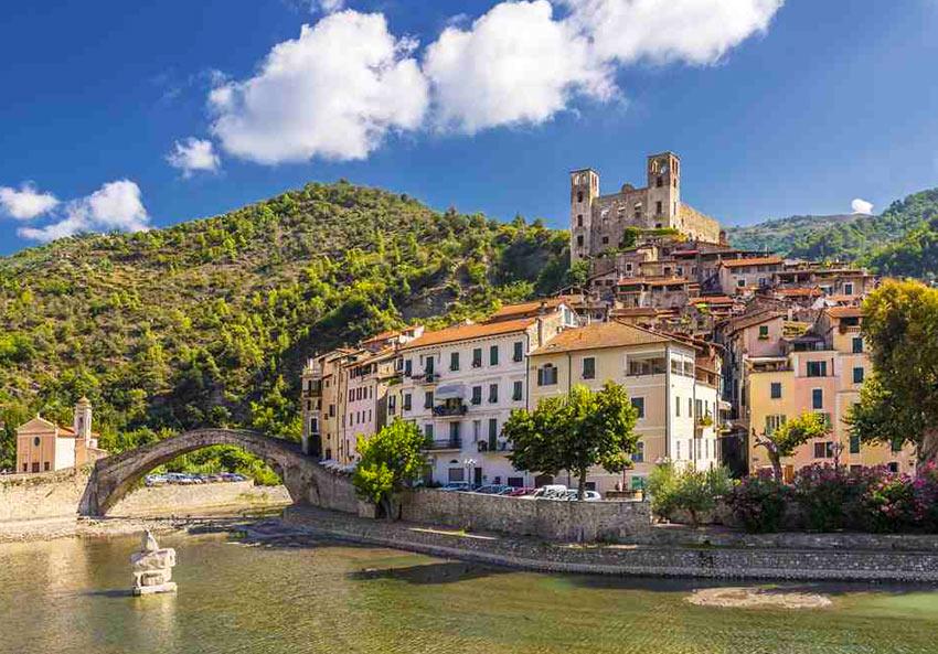 удивительный городок Дольчеаккуа в Италии