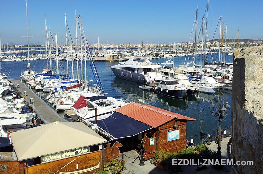 Яхты в порту Альгеро, Сардиния