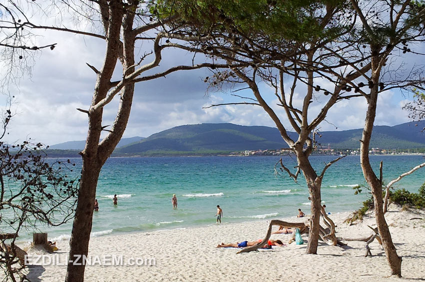 Отдых в Альгеро. Пляж Maria Pia в Альгеро