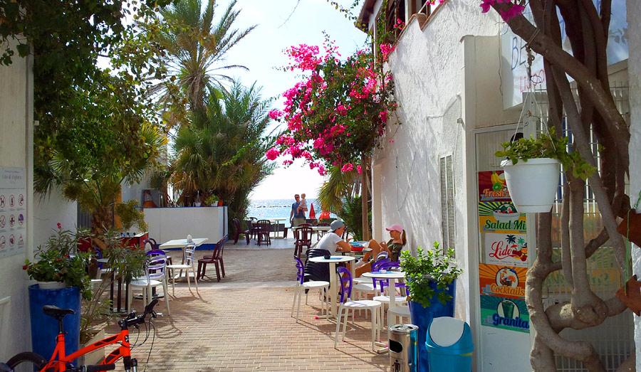 Улицы Альгеро на Сардинии, Италия