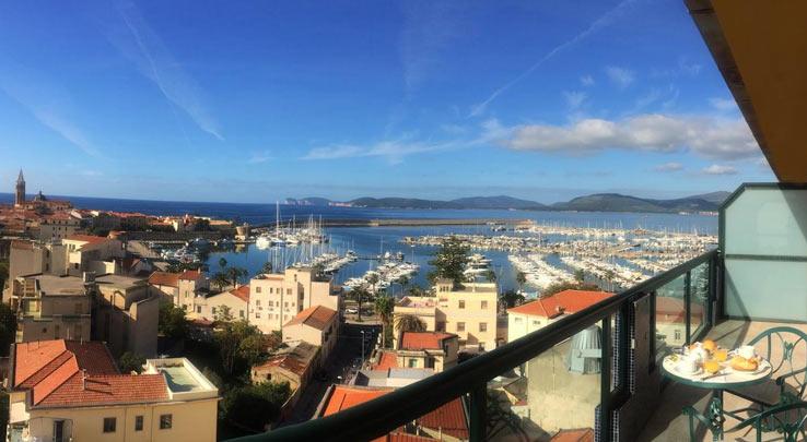 Отель с видом на море в Альгеро