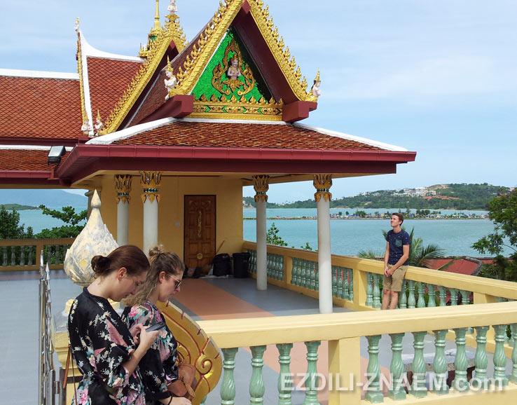 На обзорной площадке возле Большого Будды. Самуи