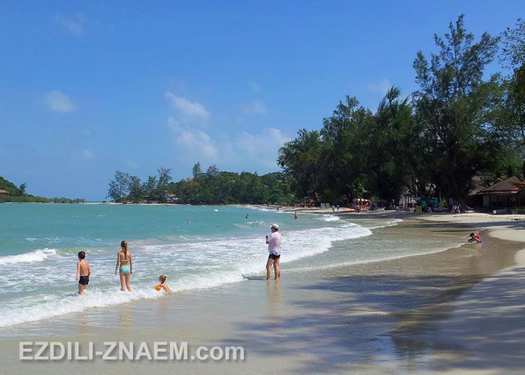 На фото: небольшой и спокойный пляж Чонг Мон, Самуи