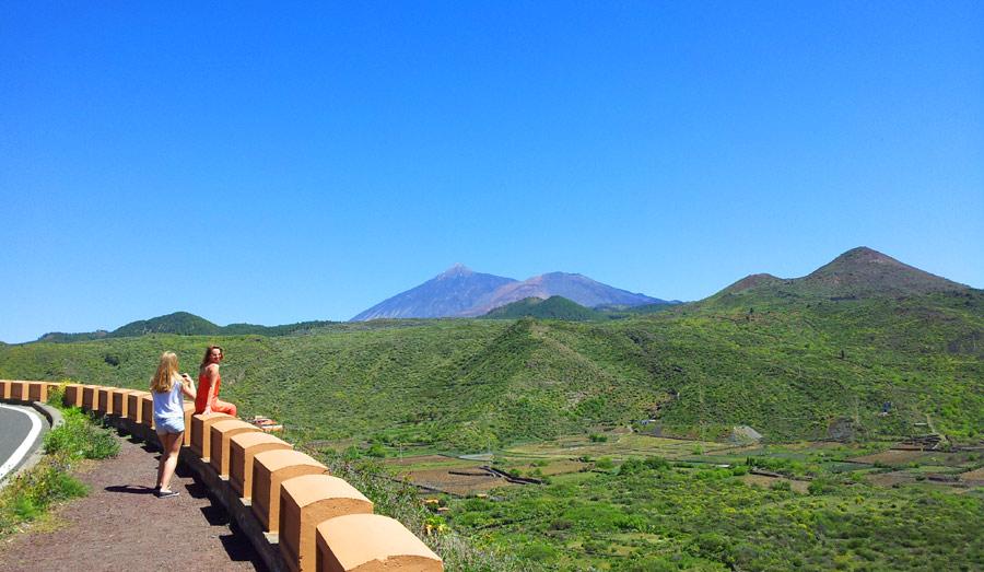 Вид на вулкан Тейде с дороги