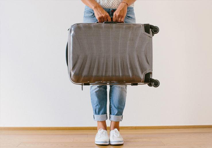 Чтобы дешево путешествовать по Европе, купите себе чемодан, который проходит в бесплатный багаж большинства авиакомпаний