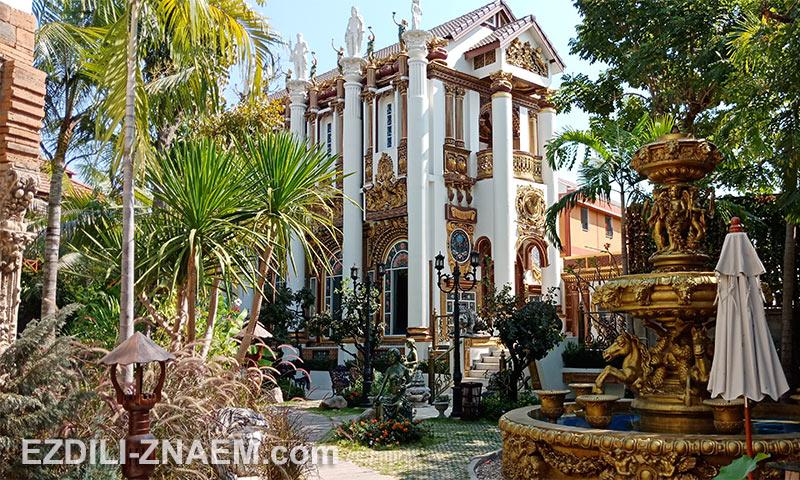Отель - дом с привидениями в Чиангмае