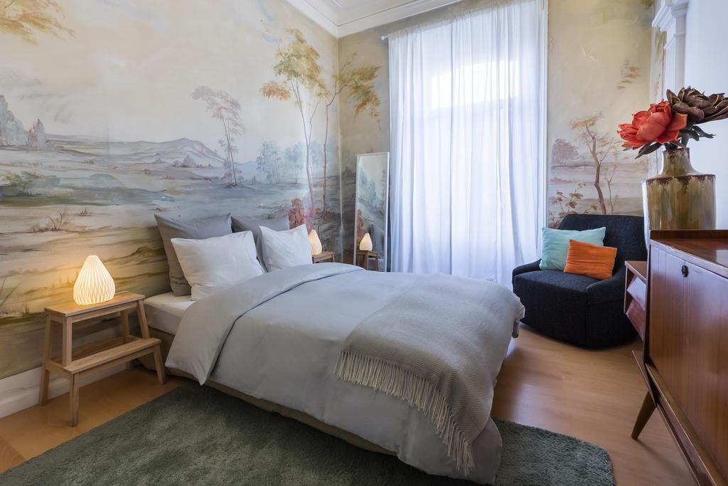 House Sao Bento - недорогой мини-отель в Лиссабоне