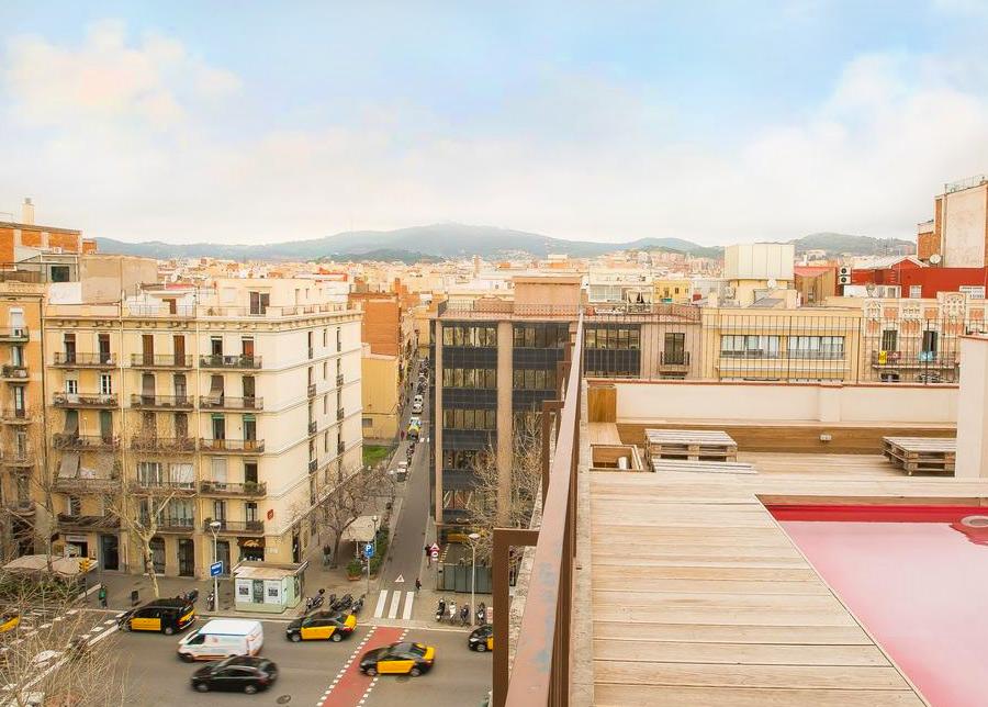 Вид с крыши на Барселону