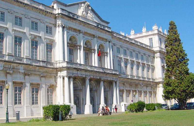 Дворец Ажуда в Лиссабоне