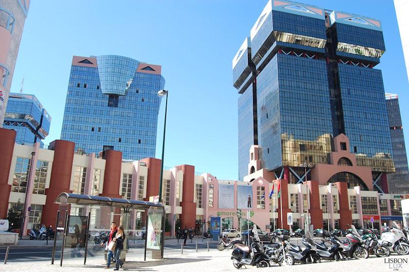 """торговый центр """"Аморейраш"""" в Лиссабоне"""
