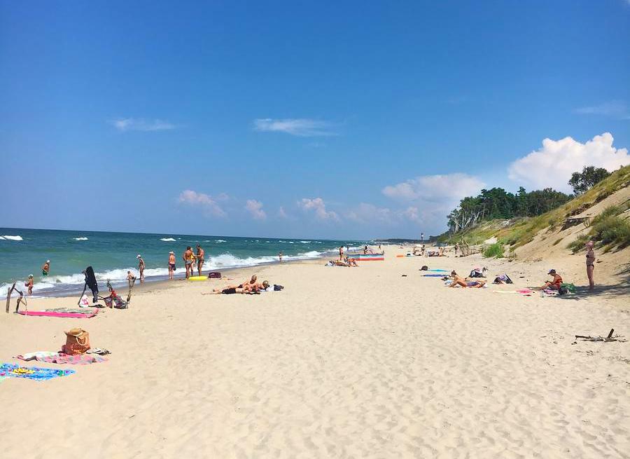 Пляжный отдых в Калининграде. На фото пляж в Зеленоградске, рядом с Калининградом