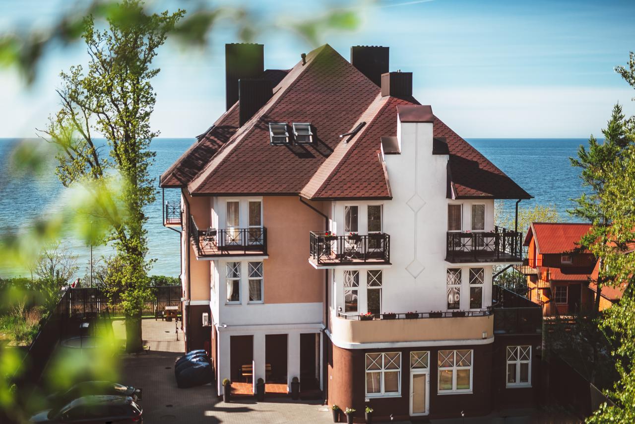 Стильный отель «Априори» с видом на море, на первой линии