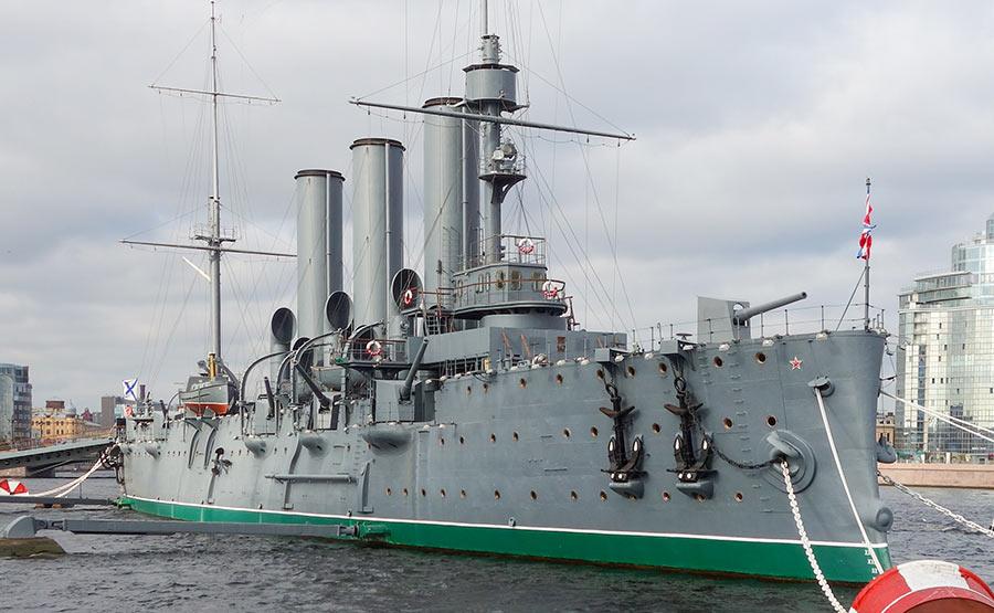 """Корабль-музей, крейсер """"Аврора"""" в Санкт-Петербурге"""